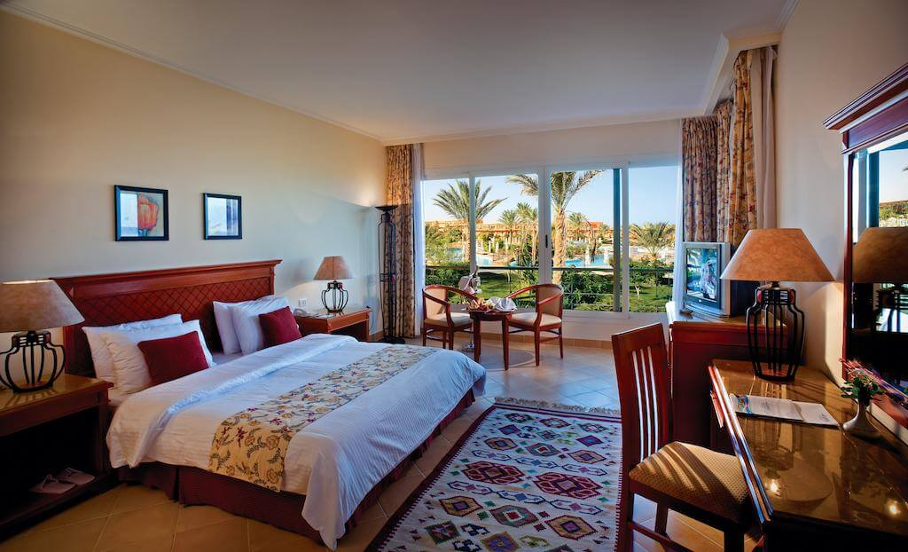 Amwaj Oyoun Resort & Casino 5*