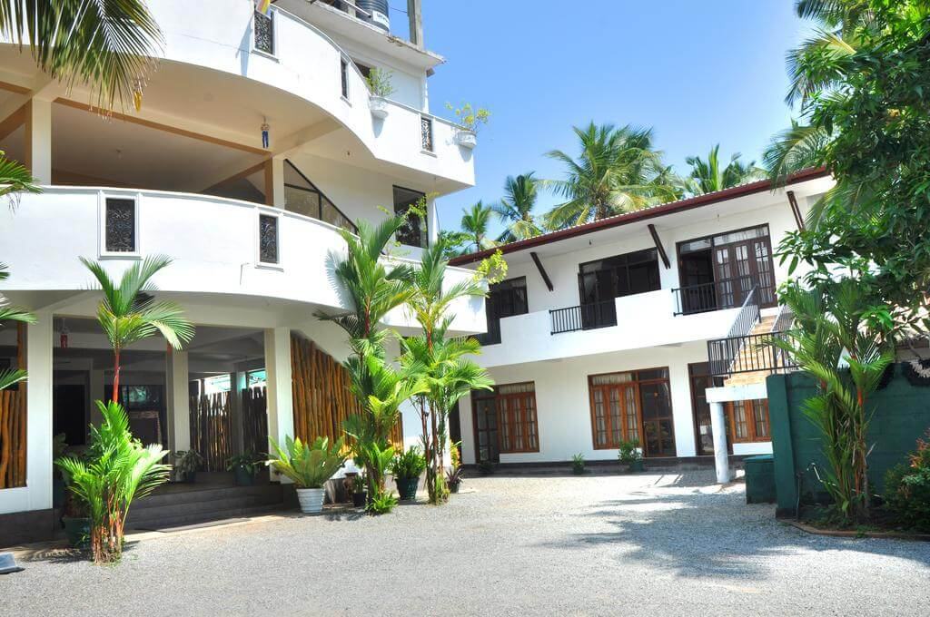 Green Shadows Beach Hotel 2*