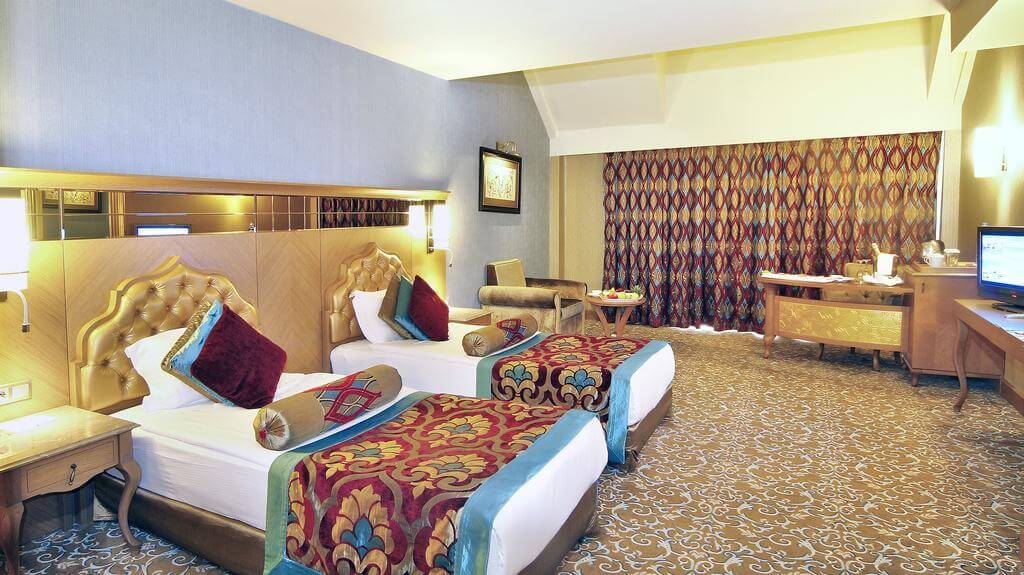 Royal Holiday Palace Hotel 5*