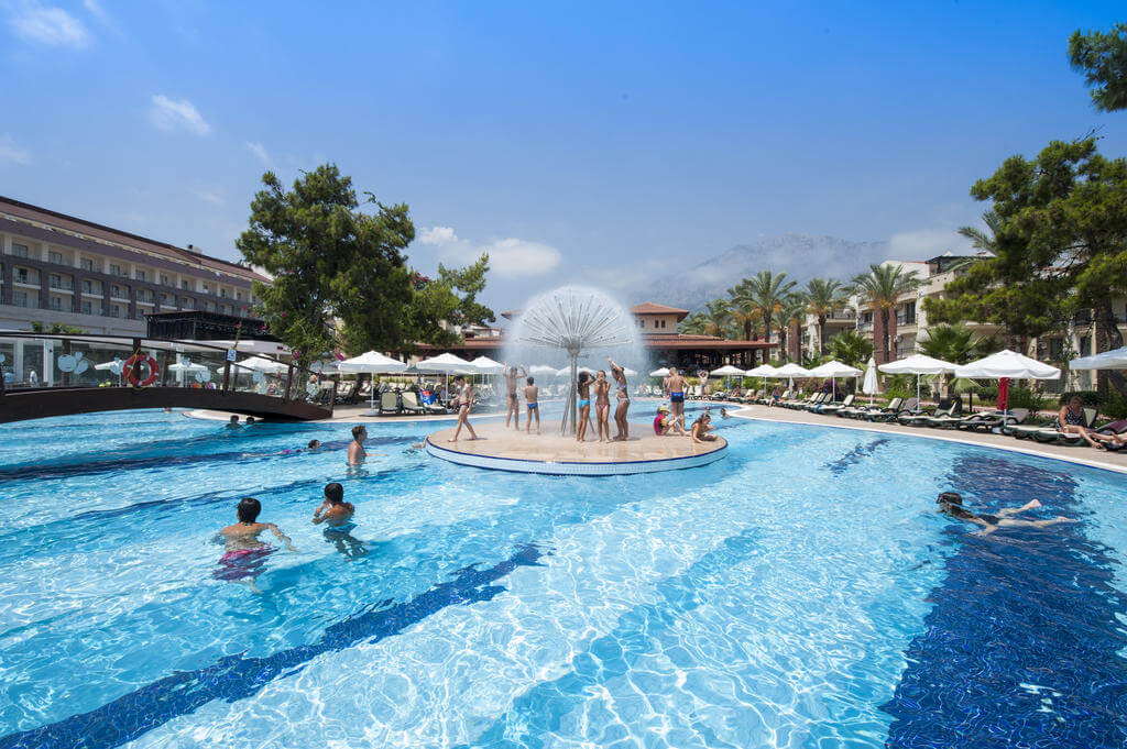 Crystal Aura Beach Resort & SPA 5*